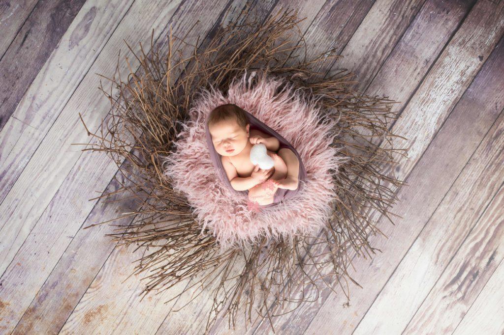 Séance photo nouveau-né dans le Rhône